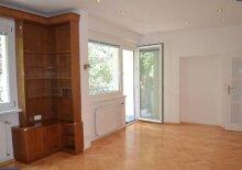 TOP! 4-Zimmer Wohnung mit Balkon in Grünlage!