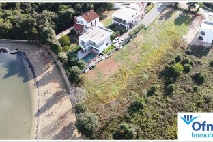 Direkt an der Adria: Grundstück mit Platz für 3 Luxushäuser