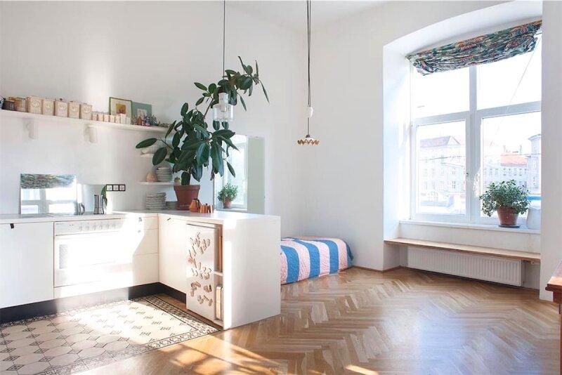 Sonnige, bildhübsche 2 1/2 Zimmerwohnung mit Altbaucharme, Blick auf Yppenplatz, großer Wohnraum mit Küche, Linie U6-Josefstädterstraße + Alserstraße! /  / 1160Wien / Bild 0