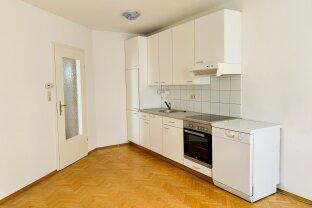 Helle 2-Zimmer-Wohnung mit Wohnküche und Parkplatz - Eggersdorf