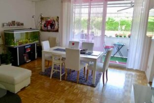 Anleger aufgepasst! Vermietete 4 Zimmer Wohnung mit Loggia und Garagenplatz!