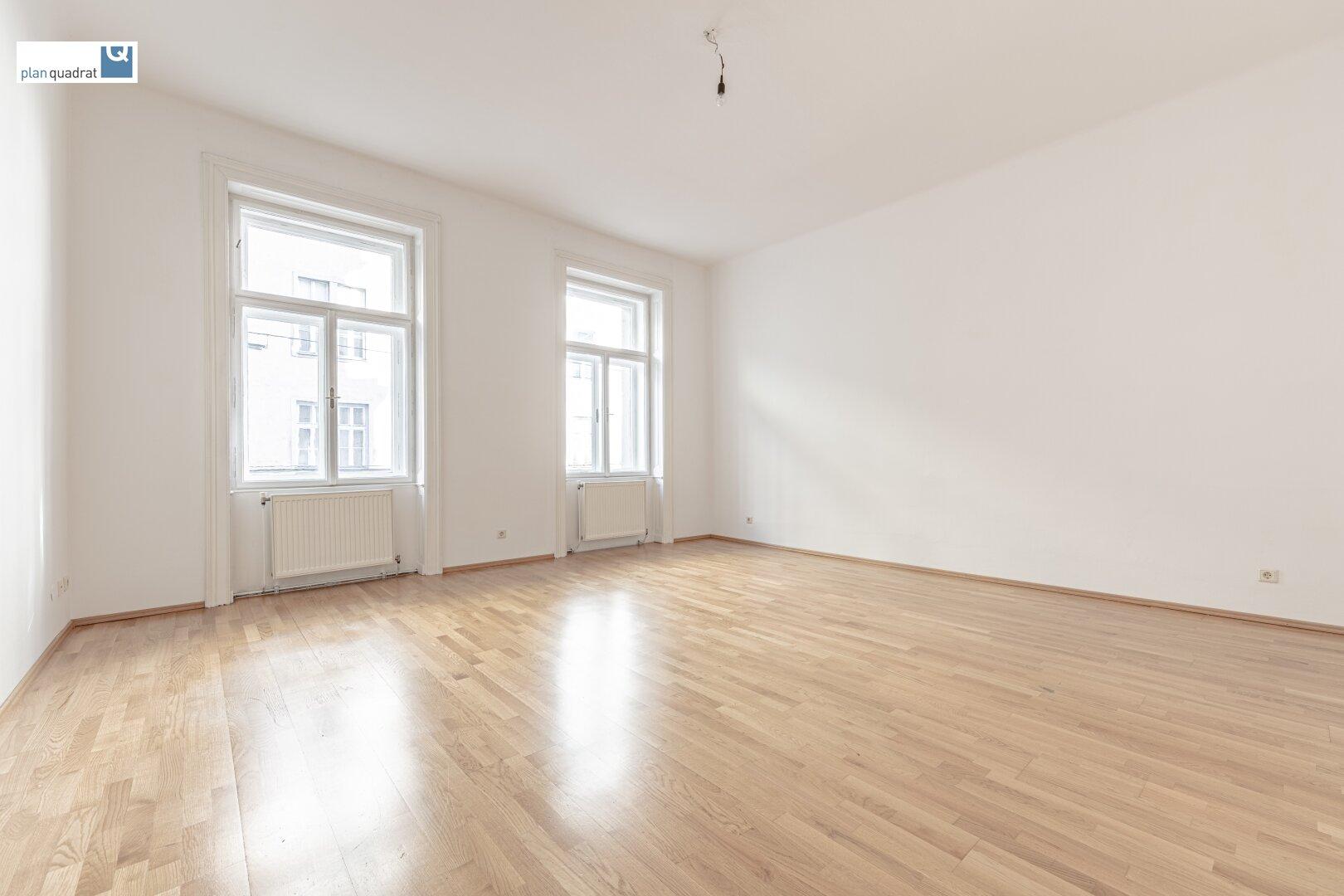 Zimmer 1 (gem. Wohnungsgrundriss; zentral begehbar)