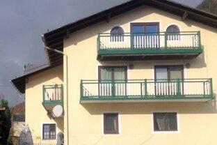BAD ISCHL: 4-Zimmer-DG-Wohnung mit Sauna im Zentrum