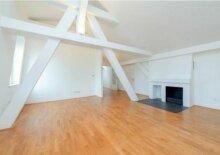 Schottengasse, Dachbodenwohnung mit 3 Schlafzimmern und 2 Bädern und sonniger Terrasse