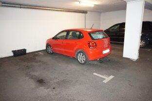 Garagenstellplatz in der Reinlgasse zu vermieten!