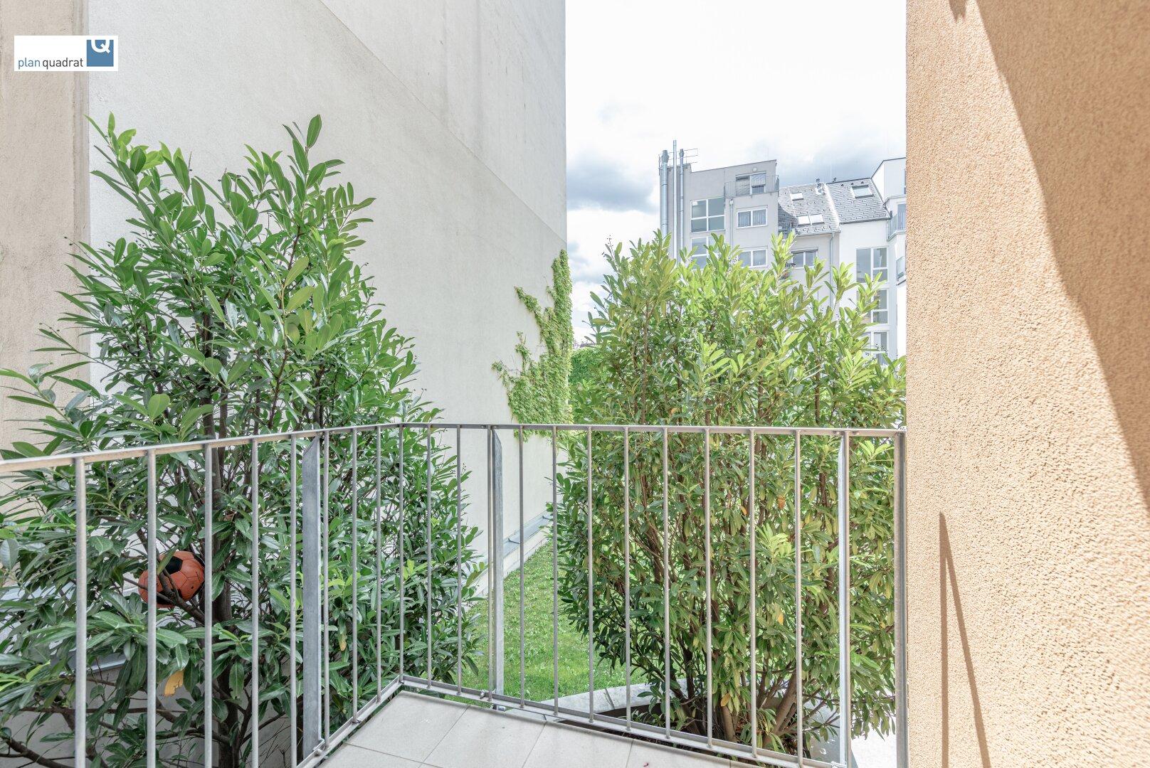 Balkon (ca. 2,60 m²), ausgerichtet in den begrünten Innenhof