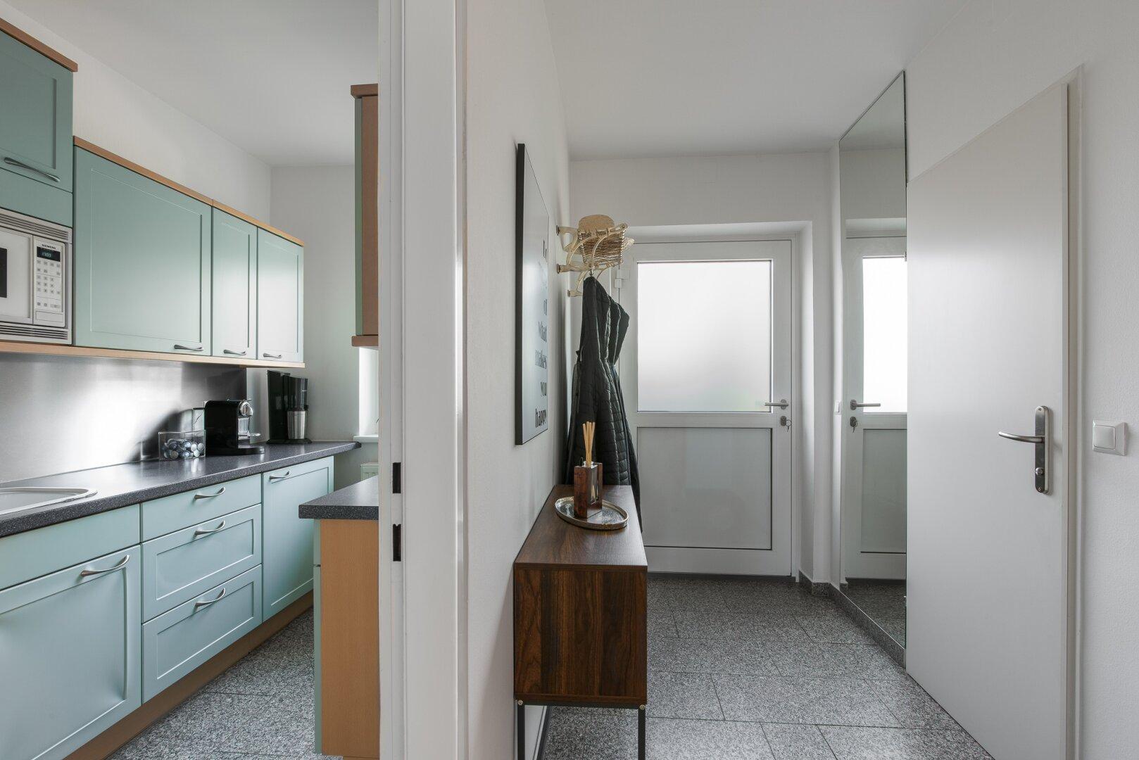Küche & Vorzimmer