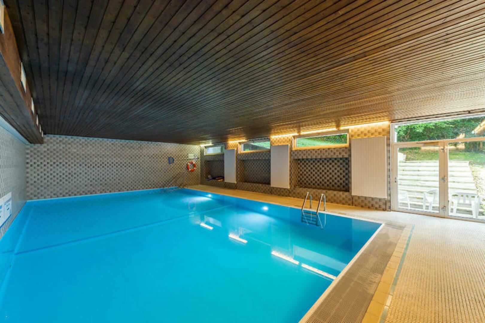 Indoor Schwimmbad