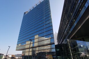 686 m² Büro mit spektakulärem Fernblick - TECH GATE