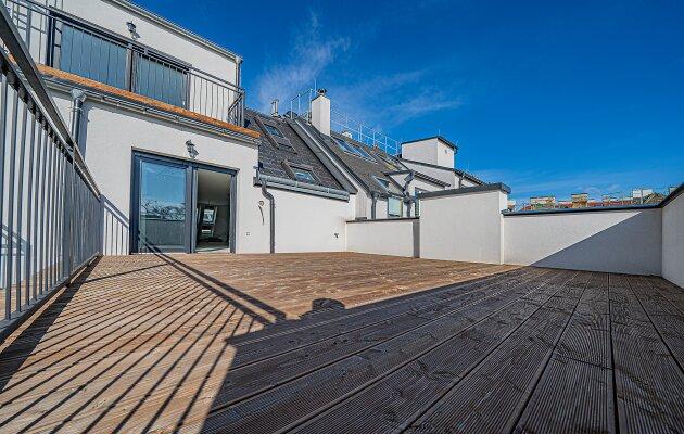 Foto von NEU++MORGENSONNE undABENDROT Wohnung++ERSTBEZUG++3-Zimmer Dachgeschosswohnung  mit SEHR Großer Dachterrasse (ca. 30m2)+ Balkon Nähe Schönbrunner Schlosspark+++General Revitalisierte Altbau-Haus+++
