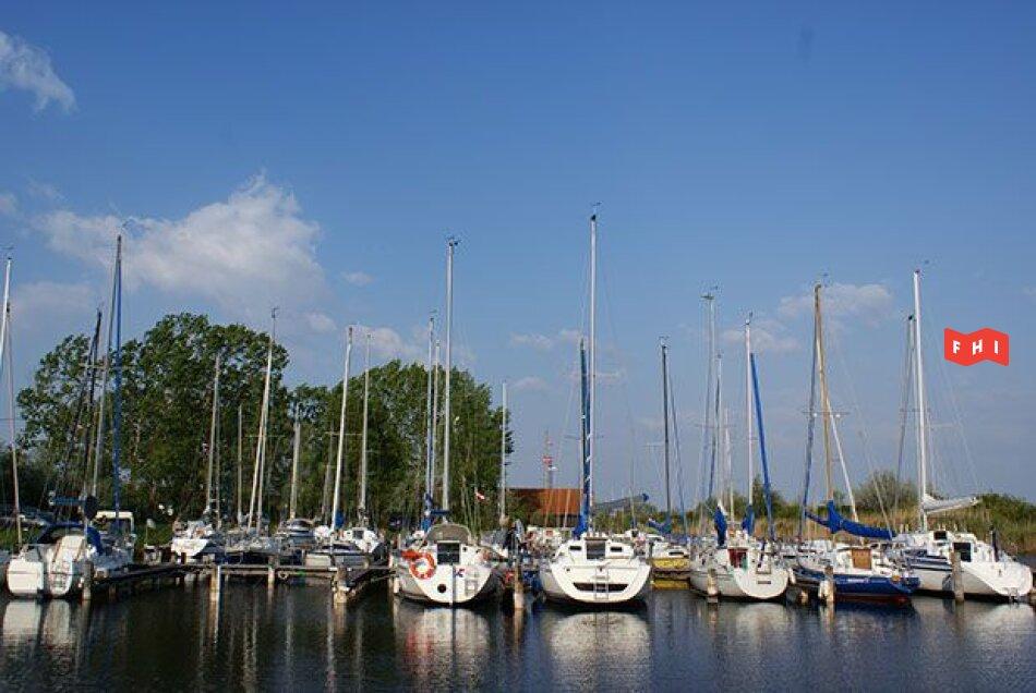 Mobilwohnheim am Neusiedlersee***Marina Oggau***Strandbad und Hafen***Pachtgrund