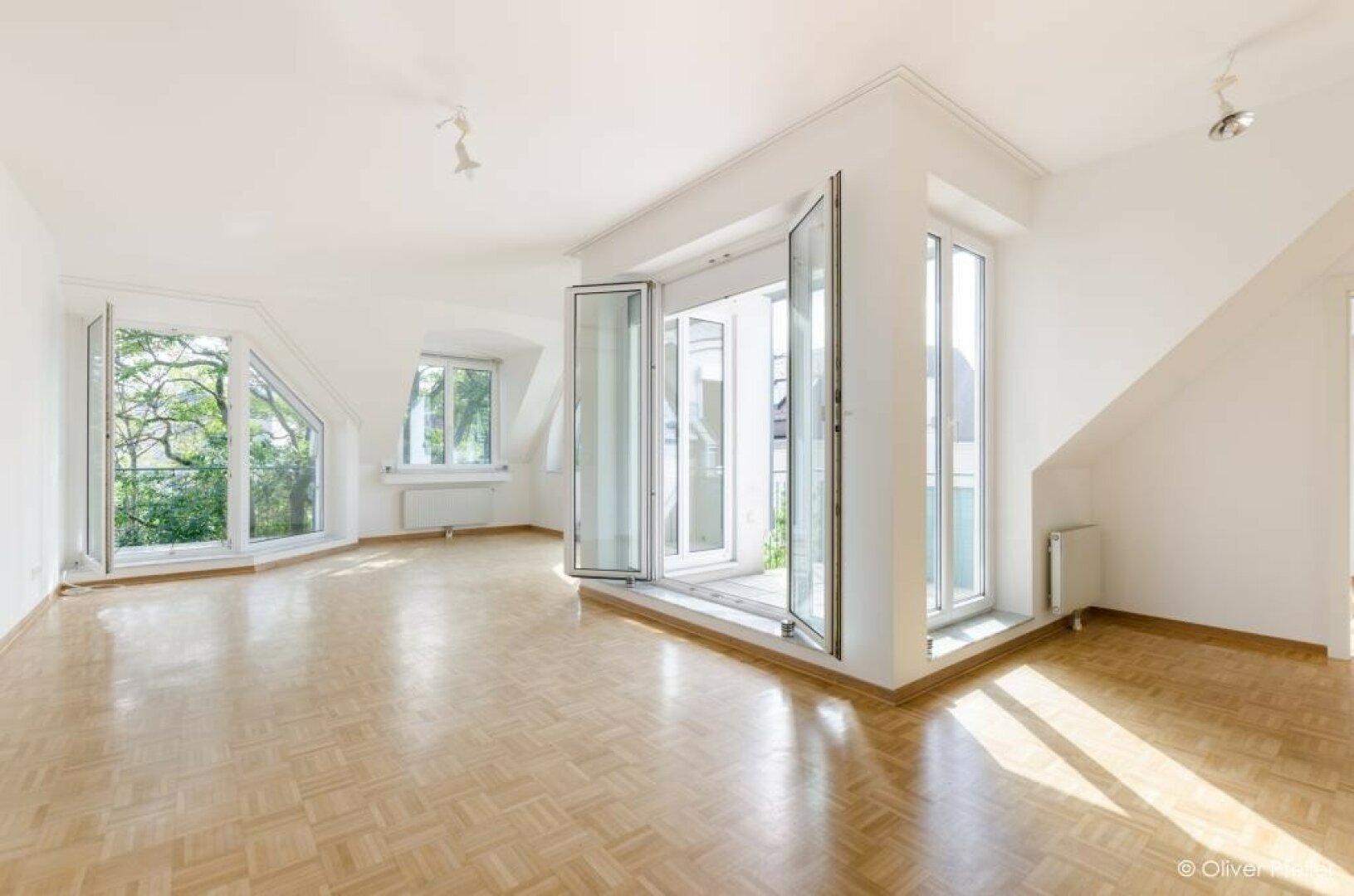 Wohnzimmer mit 2 Loggien