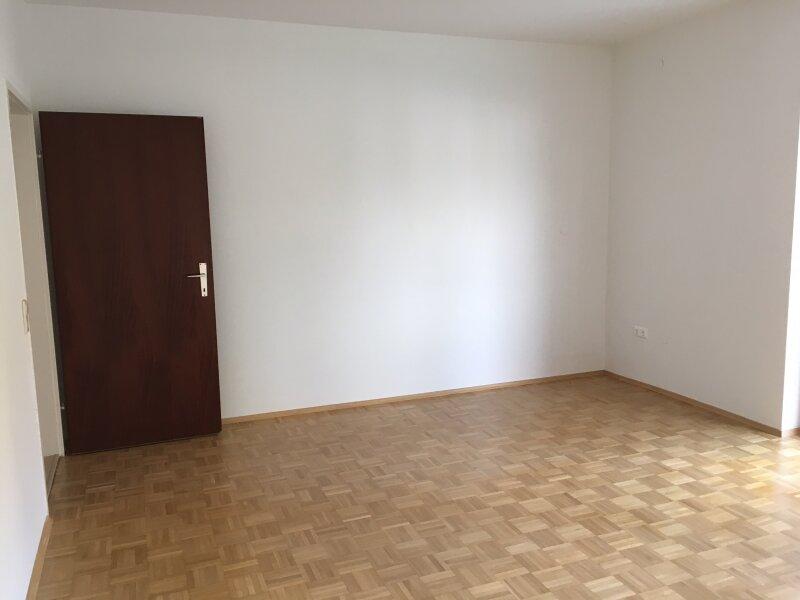 Erstbezug nach Teilsanierung! 2-Zimmer-Wohnung in der Gaaler Straße PROVISIONSFREI zu vermieten!