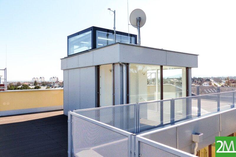 Exklusive Dachgeschoßwohnung mit großzügiger Terrasse und schönem Fernblick