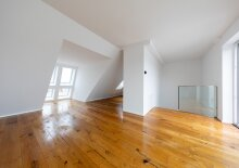 Hier werden Ihre Wohnträume wahr – 4 Zimmer Dachgeschoss-Wohnung auf 2 Ebenen & 2 Freiflächen