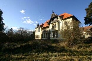 Einzigartiges  Schloss In Jugendstil nähe Sopron Wien mit 32000 m2 Schlossgarten und Thermalquelle