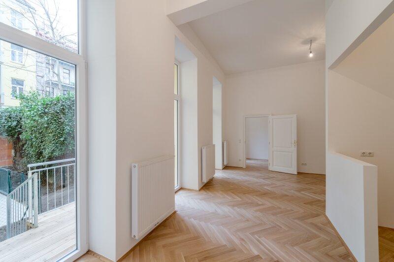 ++NEU++ 4,5 Zimmer EG-Altbauwohnung, ERSTBEZUG, toller Stilaltbau, 11m² Balkon + 44m² Garten