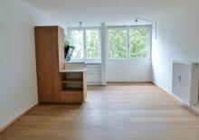 Modernisierte 2-Zimmer-Wohnung mit Einzelgarage in Parsch