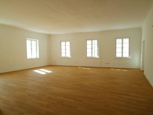 Erstbezug: Hochwertige 4-Zimmer-Wohnung nähe Mozartplatz