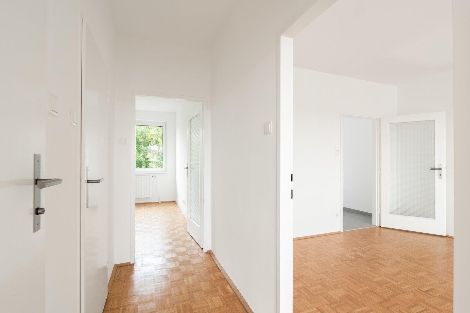 Wohnzimmer, Schlafzimmer, Flur