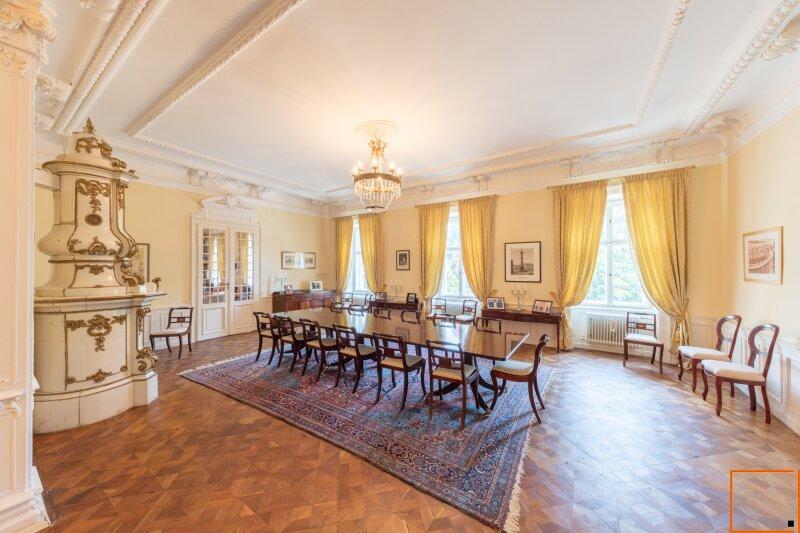 Botschaftsviertel: Herrschaftliche Residenz mit imperialem Flair