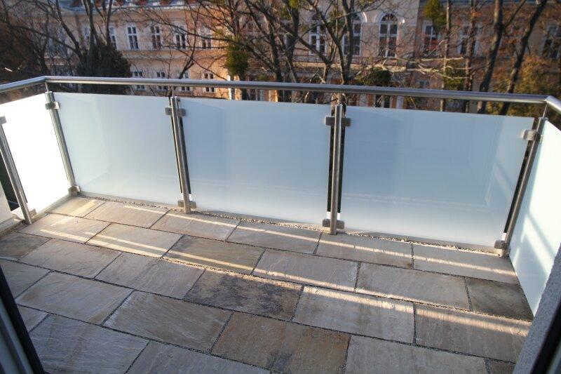 Terrasse  U N D  Balkon!! 30m²-Wohnküche + Schlafzimmer, 3.Stock Bj. 2017, Obersteinergasse 19 /  / 1190Wien / Bild 3