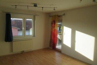 Jennersdorf: provisionsfrei, sonnige Wohnung mit Balkon