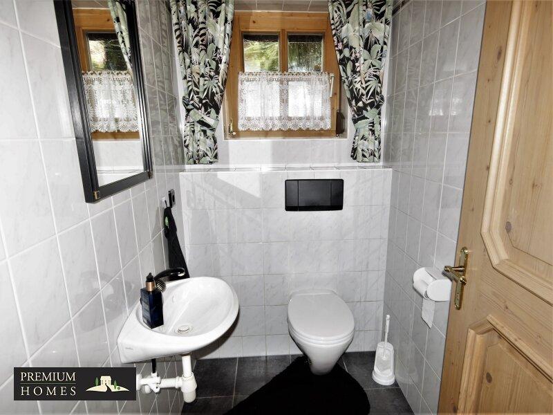 Breitenbach am Inn - Elegantes Landhaus - Toilette Partere