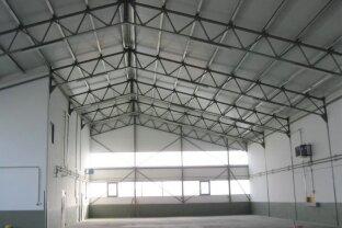 Sanierte Lagerhalle mit Bürofläche