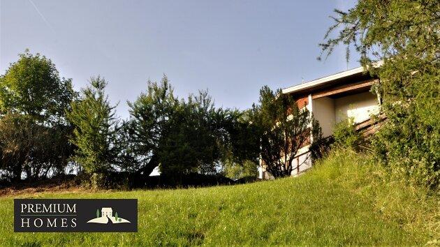 BREITENBACH am Inn - Alte Villa auf riesigem Grundstück zur Sanierung_Ansicht Richtung Südwesten