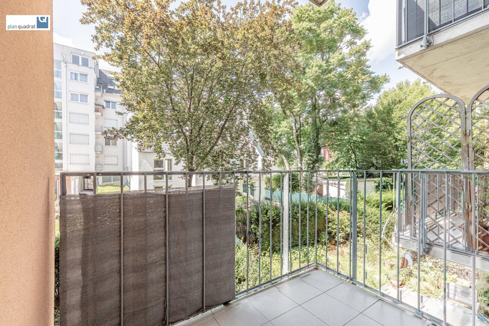 Balkon (ca. 2,70 m²)