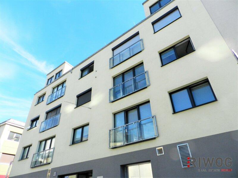 Im Herzen Hetzendorfs - Dachgeschoss-Wohnung mit zwei Terrassen und traumhaften Weitblick | inkl. Stellplatz
