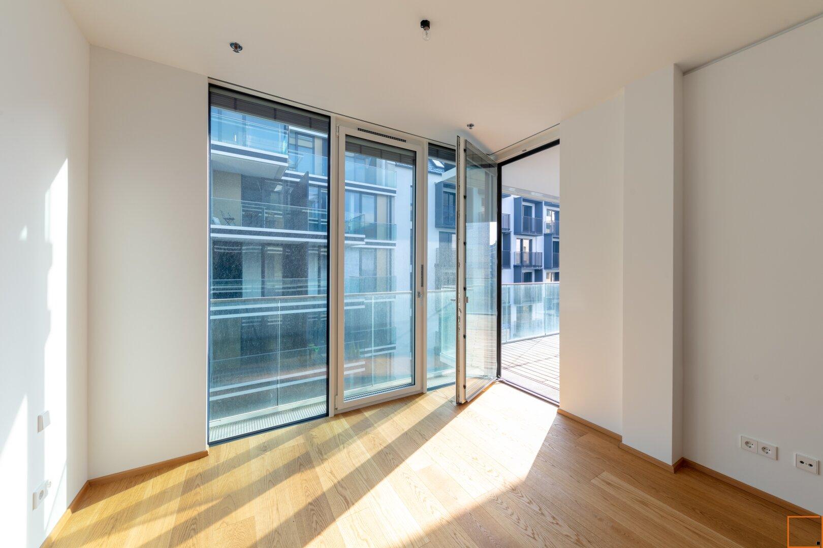 Zimmer mit Ausgang zur Terrasse