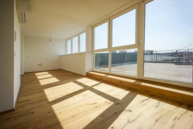 Foto von NEU! ++ Erstbezug nach Sanierung + ca. 187 m² + ca. 36 m² sonnige Terrasse auf Wohnebene mit Weitblick, Autostellplatz, großzügige 4 Zimmer DG-Wohnung + ca. 100 m vom Augarten entfernt + 1020 Wien ++