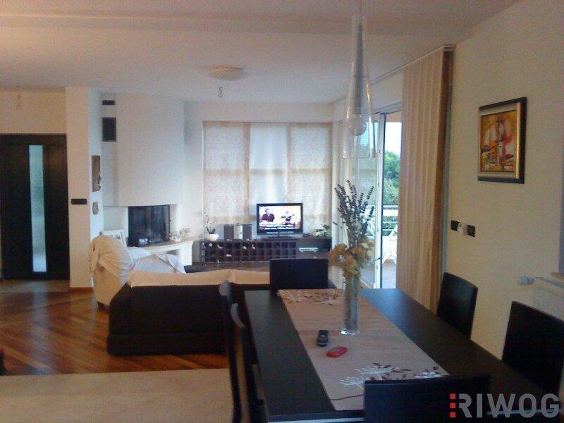 +++ Ferienhaus mit drei Wohnungen und schönem Meerblick  +++ /  / 53287Rab / Bild 8