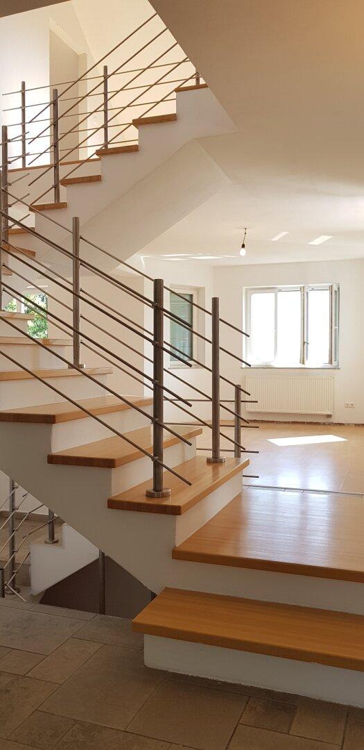 Wohnzimmer/Treppe