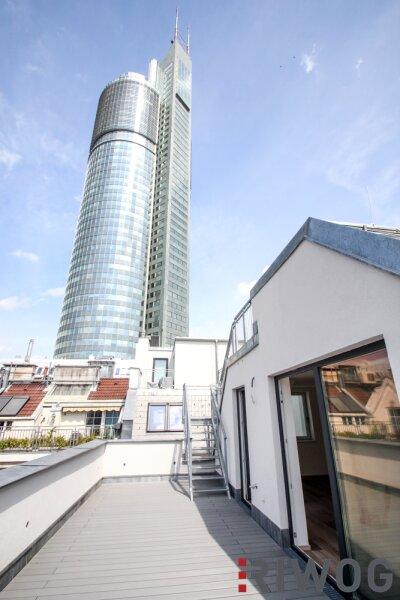 EXKLUSIV & STILVOLL - Wohnen mit Charme in revitalisiertem Altbau nahe dem Millenium Tower/Erstbezug