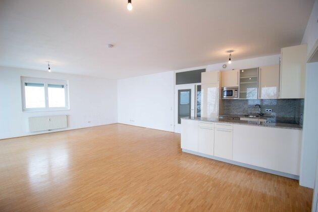 Wohn-/Essbereich mit Küche