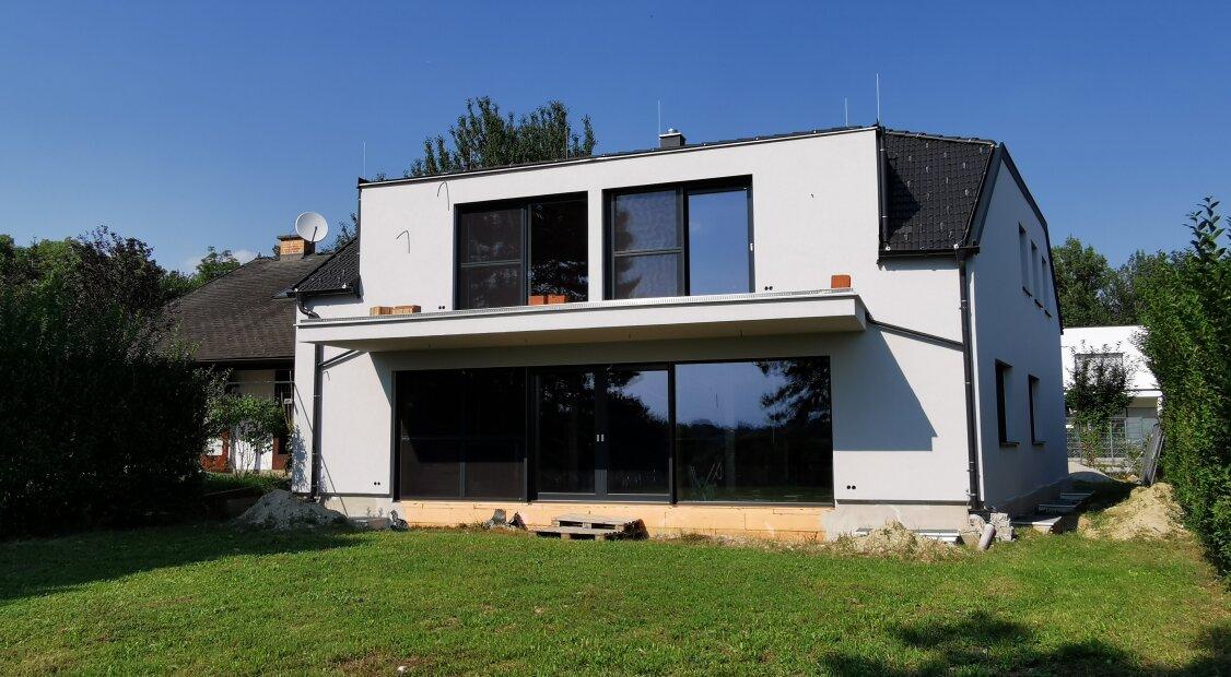 Exklusives Seehaus 1. Reihe / Villa am Privatsee - Neubau in Neudörfl (mit Liftvorbereitung)