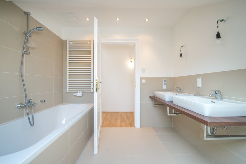 ++NEU** Kernsanierter DG-ERSTBEZUG! 3-Zimmer+getrennte Küche! 7m² uneinsehbare Terrasse! **VIDEOBESICHTIGUNG** PROVISIONSRABATT! /  / 1050Wien / Bild 7