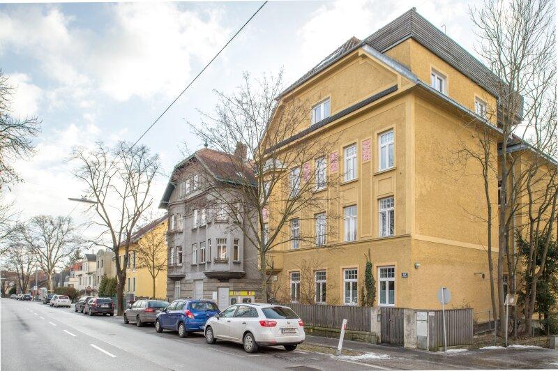 ++NEU++ ERSTBEZUG: Kernsanierte DG-Wohnung in Stilvilla! idyllischer Garten! **perfekt für Anleger** /  / 1140Wien / Bild 11