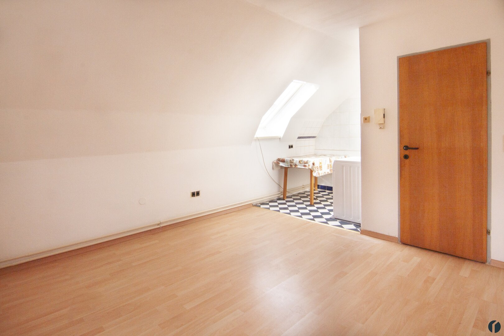 Wohn/Schlafraum mit Küchenbereich