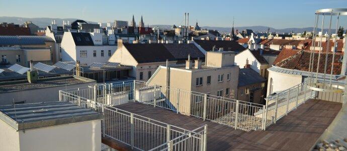 Für höchste Ansprüche: Lichtdurchfluteter Dachterrassentraum in der Josefstadt - Riesige Westterrasse mit Fernblick