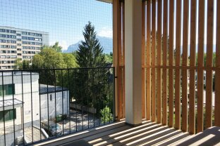 Provisionsfrei für den Mieter - Modernisierte 3-Zimmer-Wohnung mit Balkon/Loggia 10m² - top Raumaufteilung