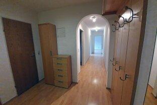 RESERVIERT Kufstein Zentrum: Gepflegte helle 3-Zimmer Wohnung mit Tiefgaragenplatz