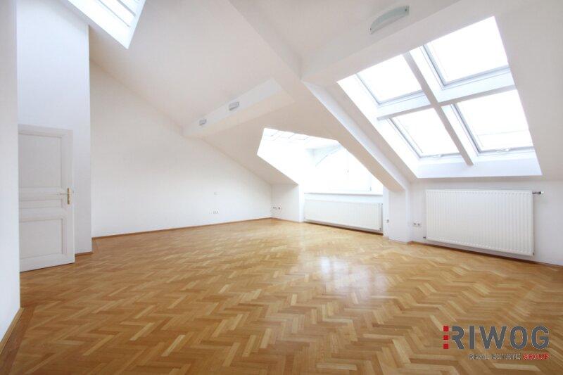  132m² Dachgeschosswohnung mit 40m² Terrassenfläche im 9.Bezirk 