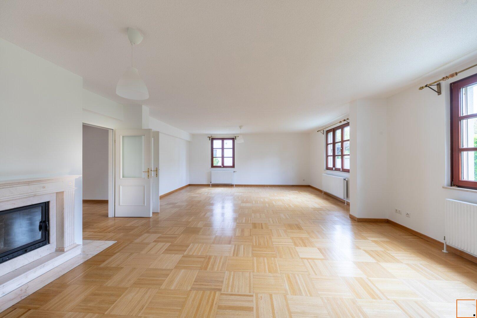 Wohnsalon mit Kamin ( 56,40m²)