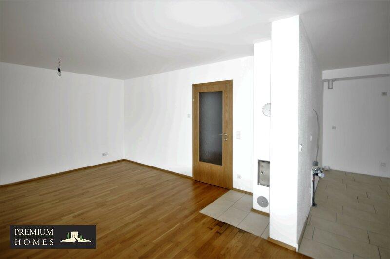 BAD HÄRING - MIETWOHNUNG - Eingang in Wohn.- und Küchen-Bereich