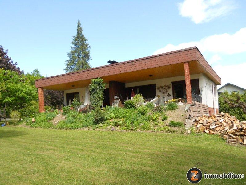 Einfamilienhaus mit wunderschönem Garten