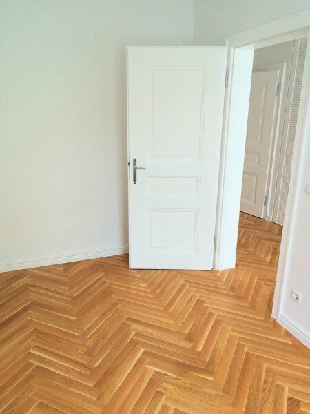 ERSTBEZUG - 4 Zimmer ALTBAU top saniert - 1030 Wien - 3. OG Top 17 ------ U Bahn Nähe - LOGGIA  - Schlafzimmer Hofseitig /  / 1030Wien / Bild 6